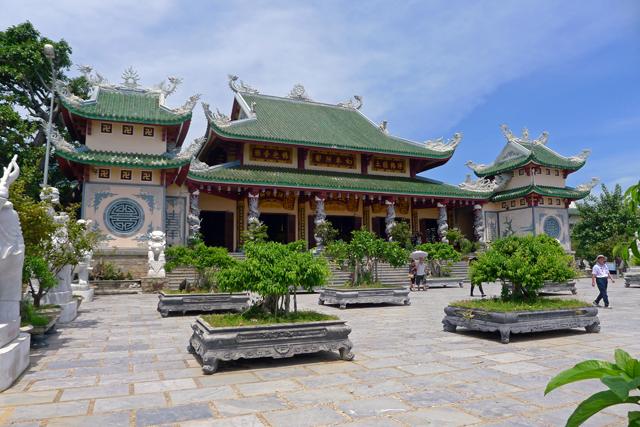 ※きらびやかな寺がアジア圏は多い気がする。