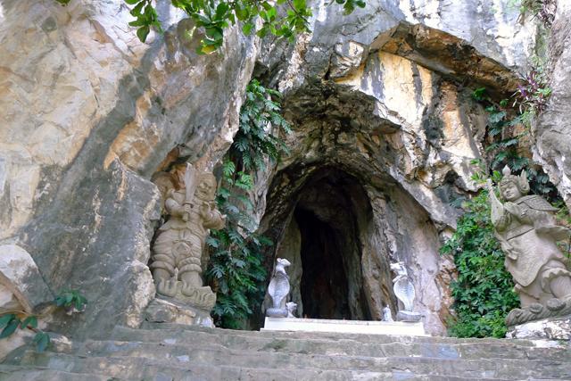 ※大理石の洞窟の入口