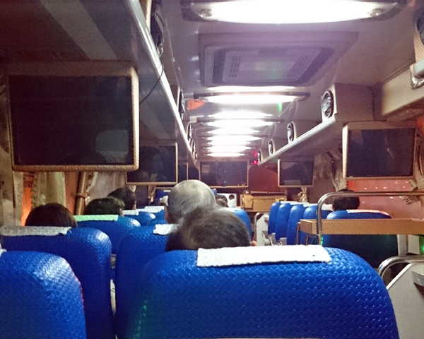 ※日本の色々な空港から集まり、泊まるホテル方面別に乗車した。