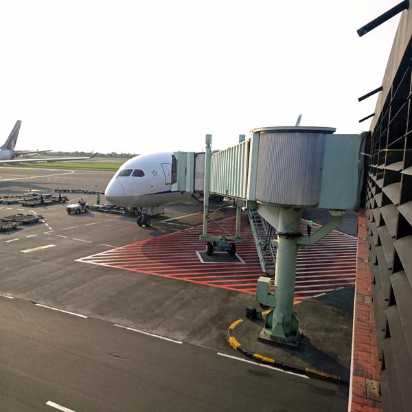 ※スカルノ・ハッタ国際空港に到着-GAとのコードシェア便は、アライアンスを越えて・・・