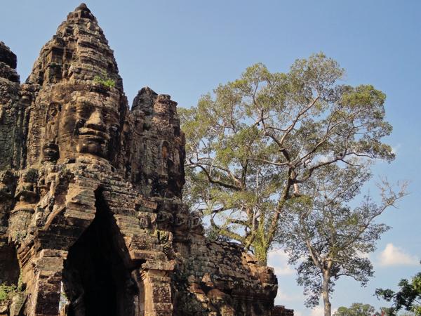 ※カンボジアのアンコールワットから、アジアの遺跡を巡る旅に火がついた。