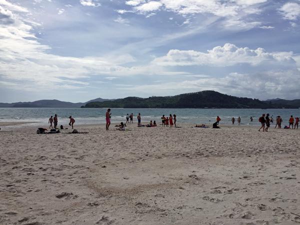 ※快晴でビーチリゾート日和です。雨季なのにラッキー!