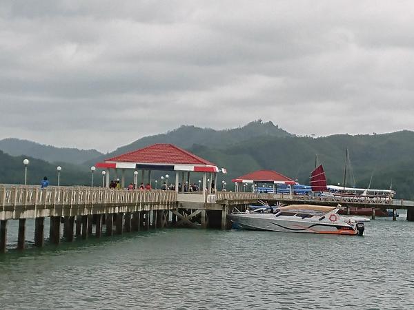 ※ Laem Sai 桟橋にて乗船