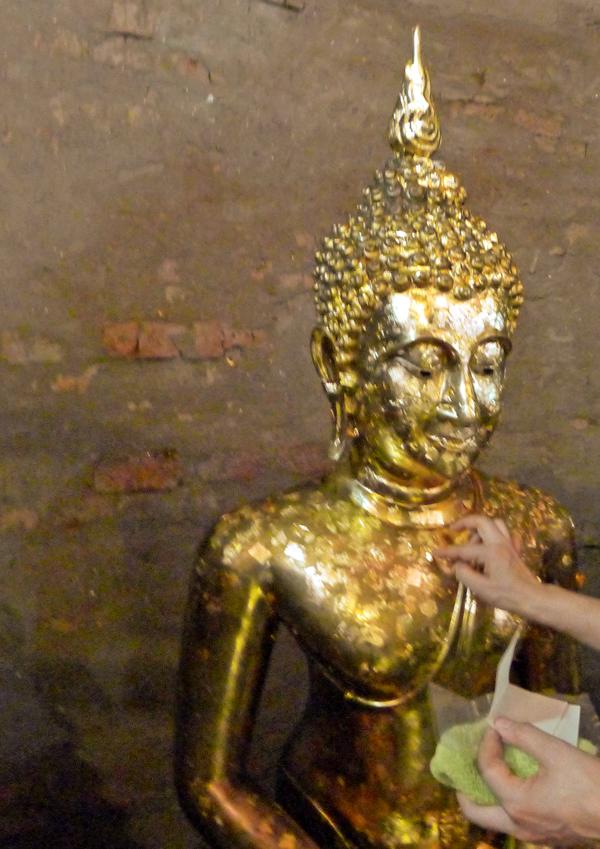 仏像金箔貼り