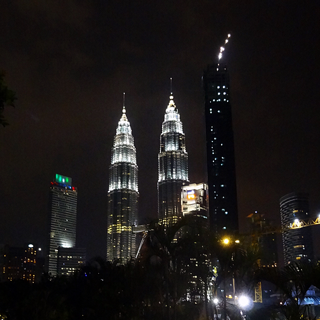 Petronas Twin Tower 452m