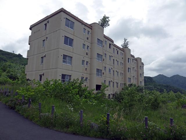 2000年の噴火時は、事前に住民が全員避難していて無事でした。