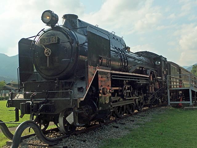 D51 SL鉄道車両の前は人気でした。